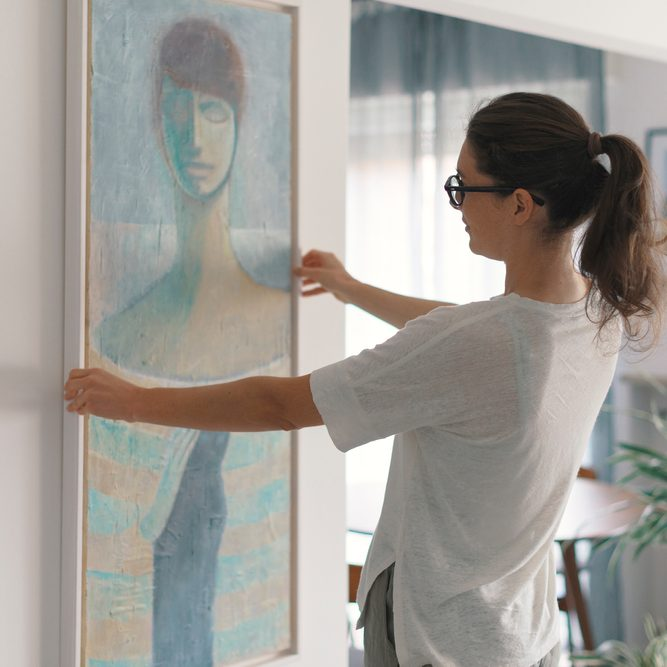 The Dos and Don'ts of Storing Oil Paintings On Canvas
